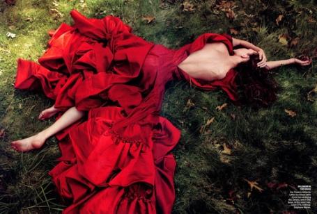 cute-dress-fashion-high-fashion-red-Favim.com-306785