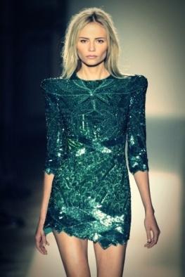 kim-kardashian-fashion-friday-emerald-green-014