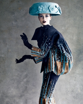 jac-jagaciak-in-christian-dior-haute-couture-ss-2008-shot-by-patrick-demarchelier-1342221223_org